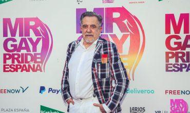 Petro Valverde y otros 15 mayores desfilaron con los finalistas de Mr. Gay Pride España 2019 en un emotivo homenaje.